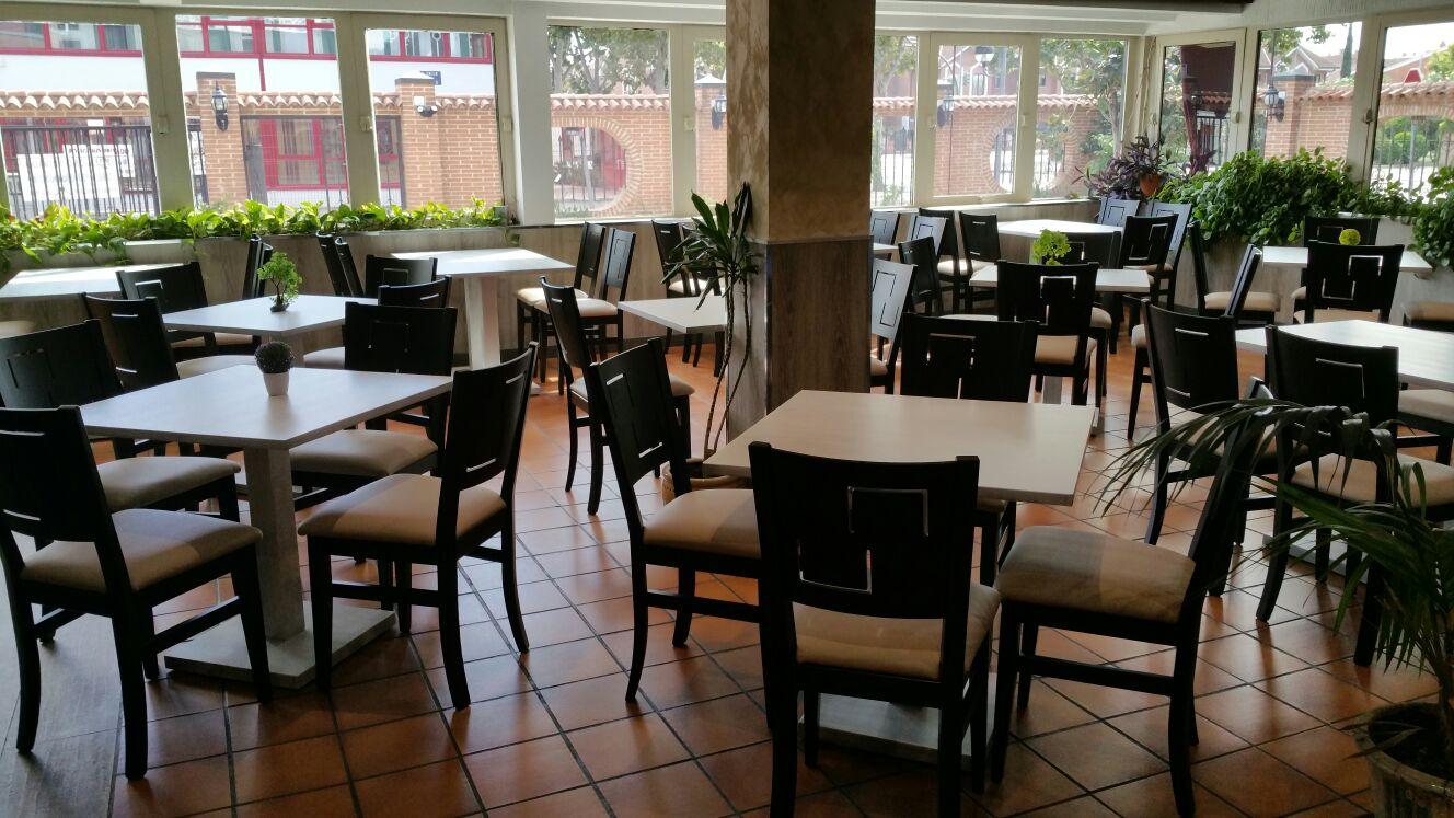 La importancia del mobiliario para hosteler a antes y for Mobiliario de restaurante